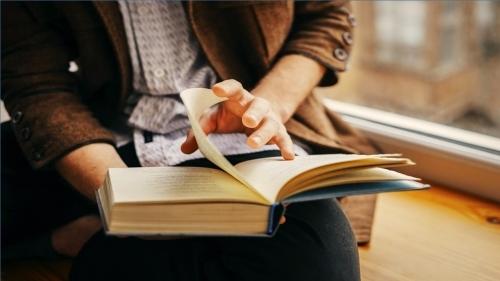 تقویت مهارت کتاب خوانی به زبان اصلی
